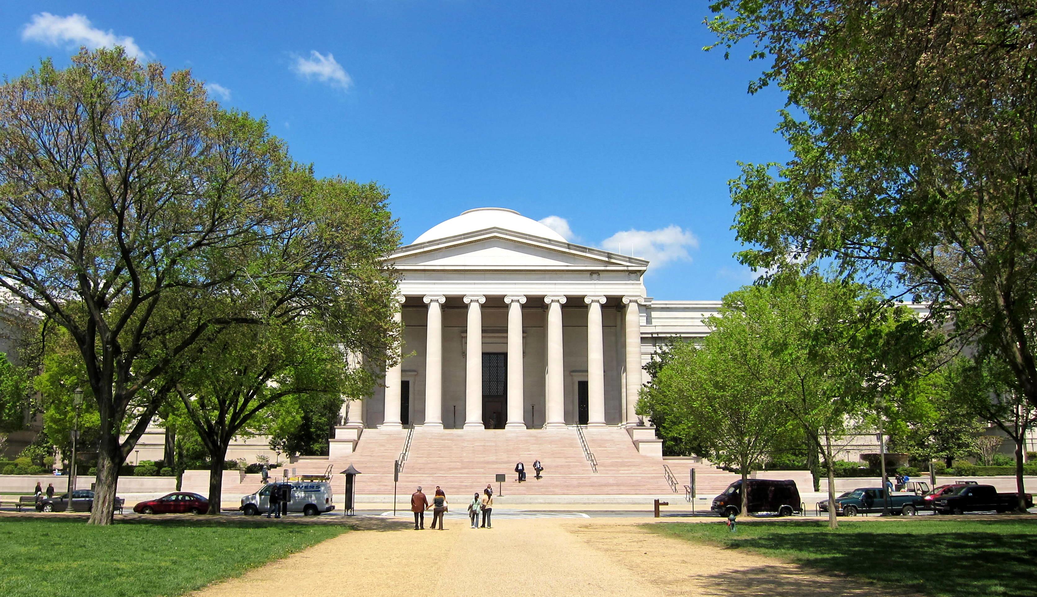 National_Gallery_of_Art_-_West_Building1.jpg