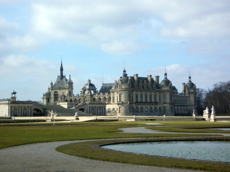 Chateau_de_Chantilly_garden.jpg
